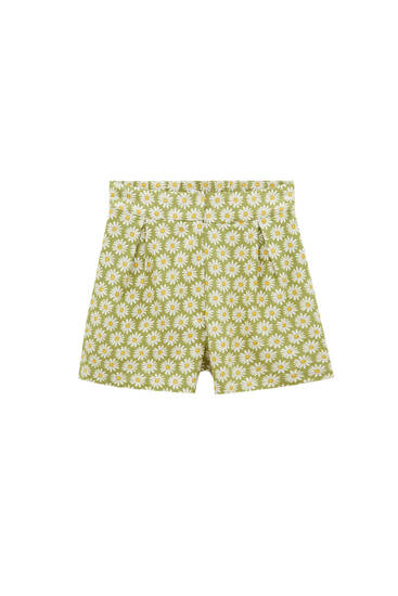 Green shorts with daisy print - ECOVERO™ viscose (at least 75%)