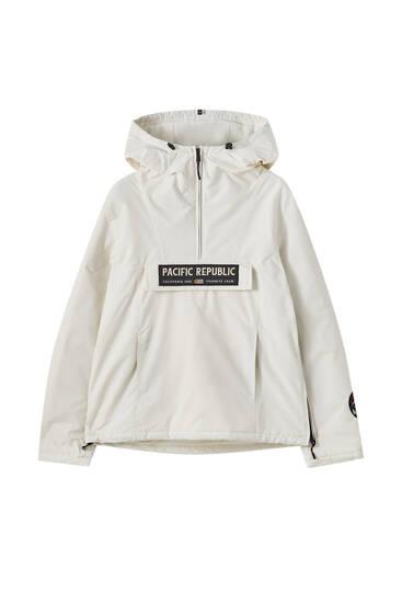 Τζάκετ hoodie με patch στο μπροστινό τμήμα