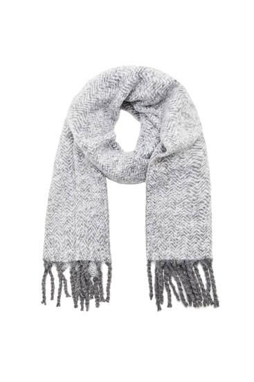 Трикотажный шарф с меланжевым узором