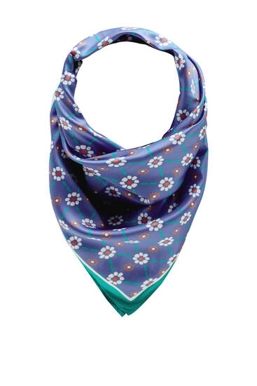 Scarf with retro floral print