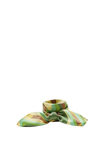 Green wavy print scarf