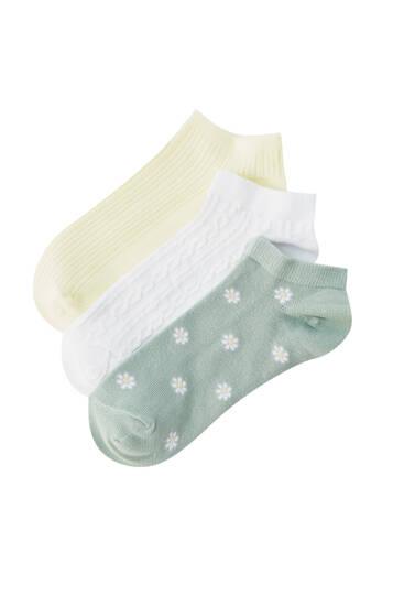 3-pack of daisy print socks