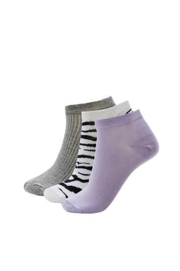 Σετ με χαμηλές κάλτσες με σχέδιο ζέβρας