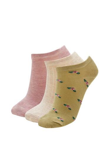Σετ με χαμηλές κάλτσες με μονόχρωμο και εμπριμέ σχέδιο