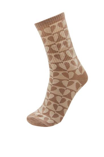 Ψηλές κάλτσες με χρωματιστές καρδιές