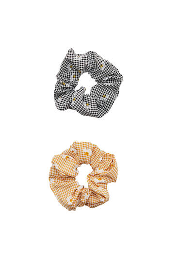 Pack of checked and daisy scrunchies
