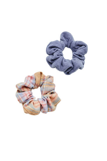 2-pack of check and dark scrunchies