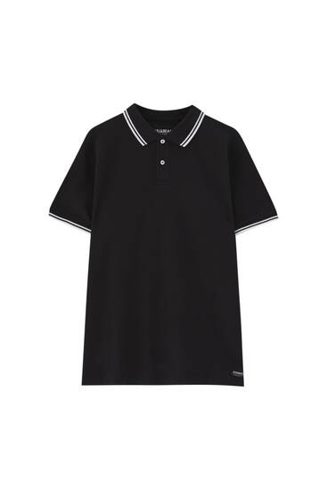 Basic-Poloshirt mit farblich abgesetztem Patentmuster