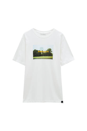 White T-shirt with contrast photographic print