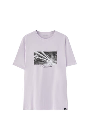 Lilac T-shirt with contrast photographic print