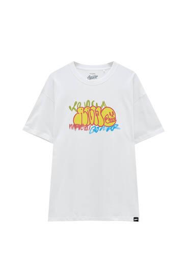 Bela majica sa grafiti printom STWD