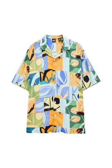 Košulja sa geometrijskim patchwork dezenom – 100% viskoza ECOVERO™