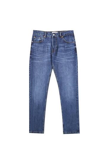 Jeans slim fit básicas em azul