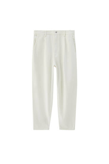 Balloon jeans with darts