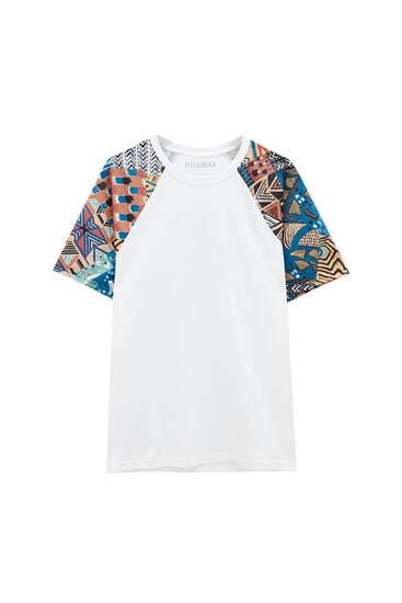 White T-shirt with printed raglan sleeves