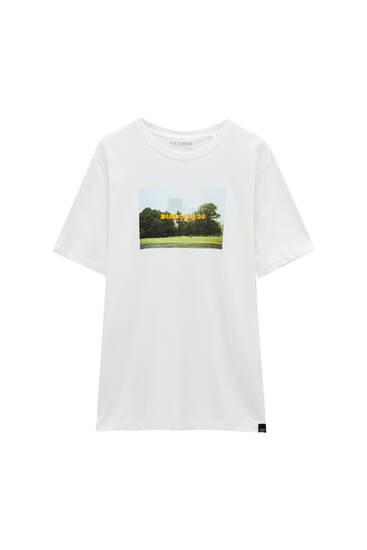 Weißes T-Shirt mit Fotoprint und Text