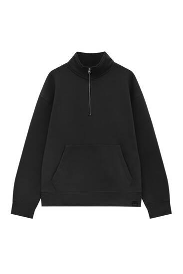 Basic sweatshirt with zip on chest