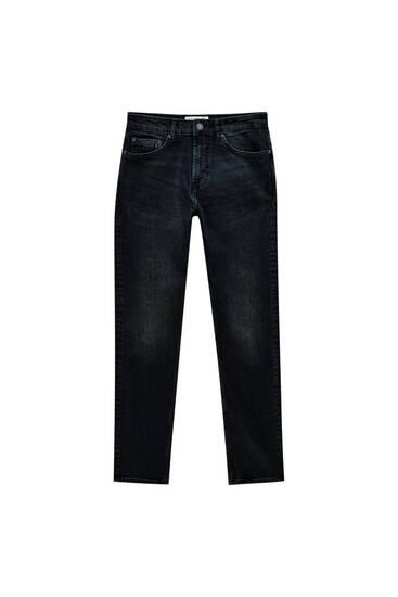 Чорні джинси зручного вузького крою з вареним ефектом