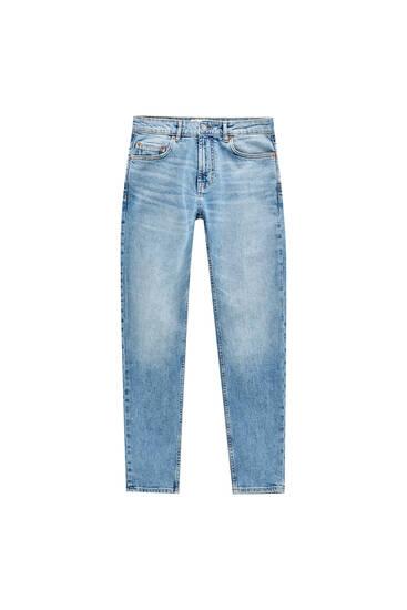 Jeansy slim comfort fit w stonowanym niebieskim kolorze