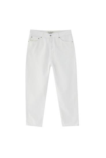 Jeans relaxed básicos