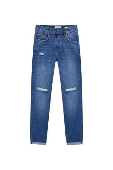 Jeans skinny fit com pormenores de rasgões