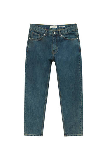 Basic standard fit jeans with five pockets