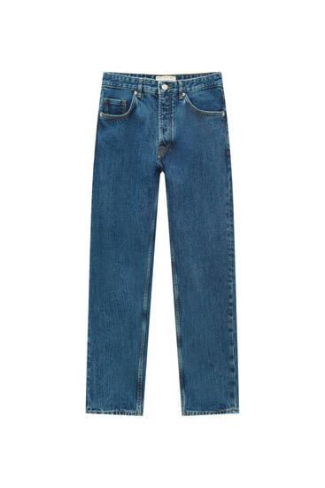 Jeans básicas standard fit