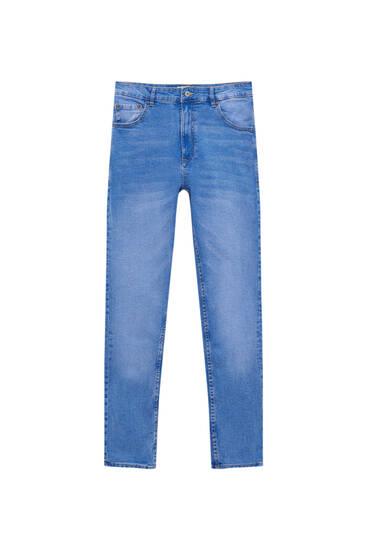 Τζιν παντελόνι carrot fit basic σε σκούρο μπλε χρώμα
