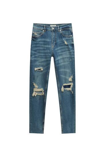 Premium-Jeans im Carrot-Fit mit Rissen
