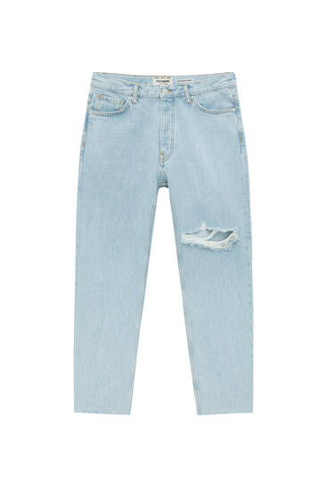 Standard fit jeans with ripped legs