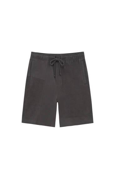 Jogging Bermuda shorts in contrast fabric