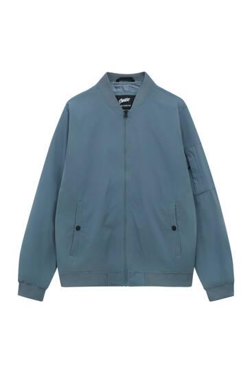Lightweight zipped bomber jacket