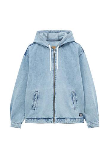 Jeansjacke im Bleach-Look und Kapuze