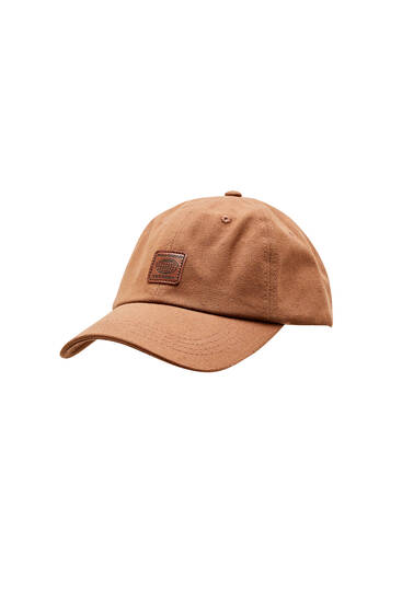 Cap with front logo