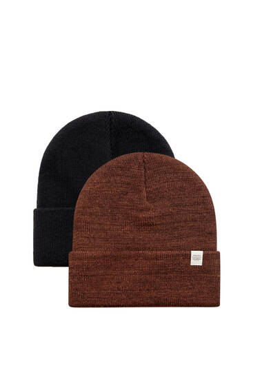 Pack of 2 black and brown knit hats