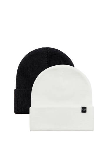 Pack of 2 black and white knit hats
