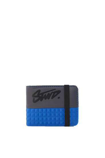 Contrast blue wallet with elastic fastening