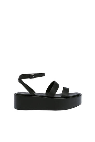 Strappy block wedges