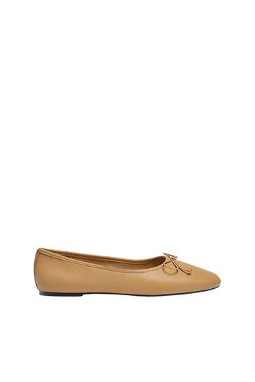 Leather ballerinas with bow