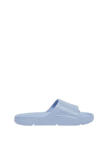 Lightweight flat sandals