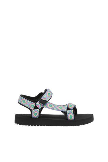 Flat sporty sandals