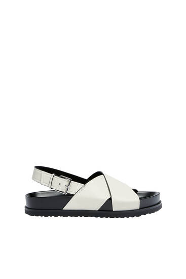 Crossover strap flat sandals