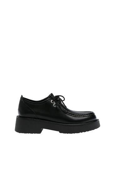 Flat fashion shoes