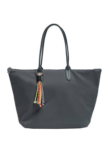 Νάιλον τσάντα shopper με λεπτομέρεια από θυλάκι