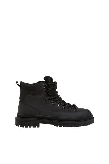 Lace-up track boots