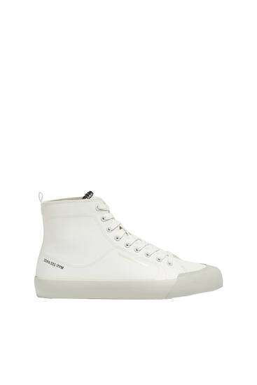 High-top trainers with toecap detail