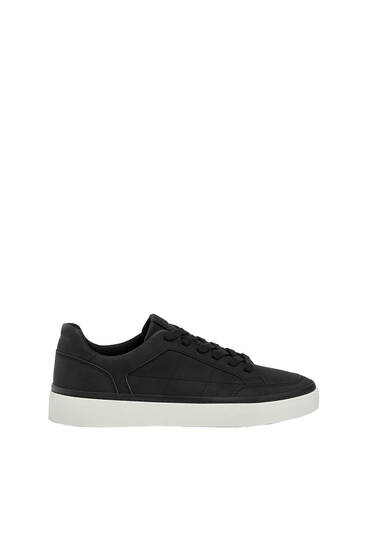 Casual contrast sole trainers