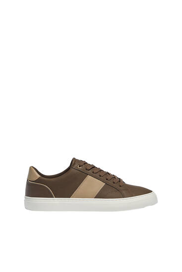 Casual trainers with stripe detail