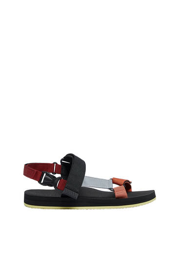 Sporty strappy sandals