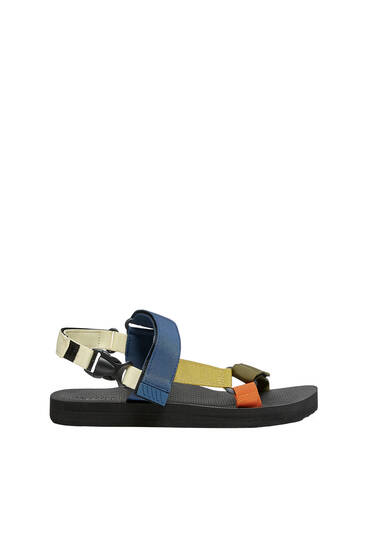 Спортивные сандалии с ремешками